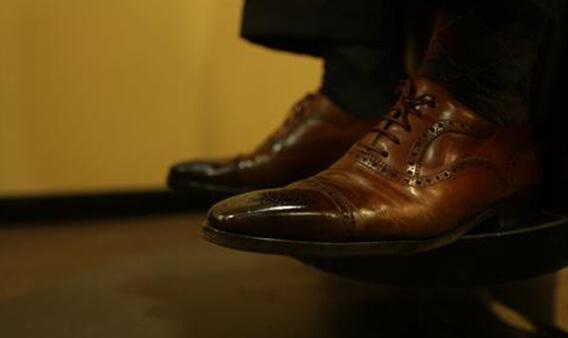 Boots shoe shine